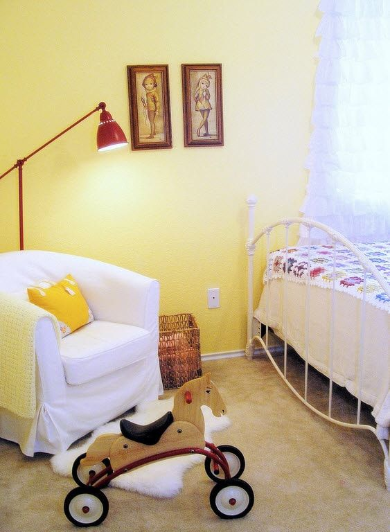 Color Therapy for Children's Room: Why Need Proper Color Combination? Yellow matted paint for wall