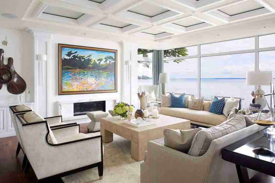 Pilasters in the Interior - Indispensable Element of Luxurious Design. Coffered ceiling for American styled living