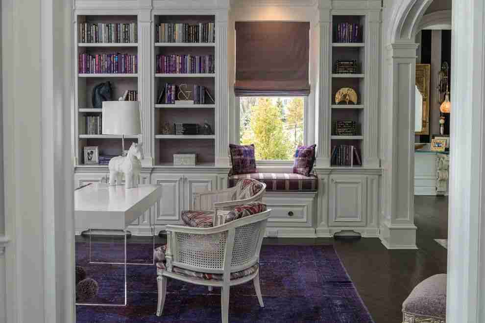 Pilasters in the Interior - Indispensable Element of Luxurious Design. Library and home office combined in white colored design
