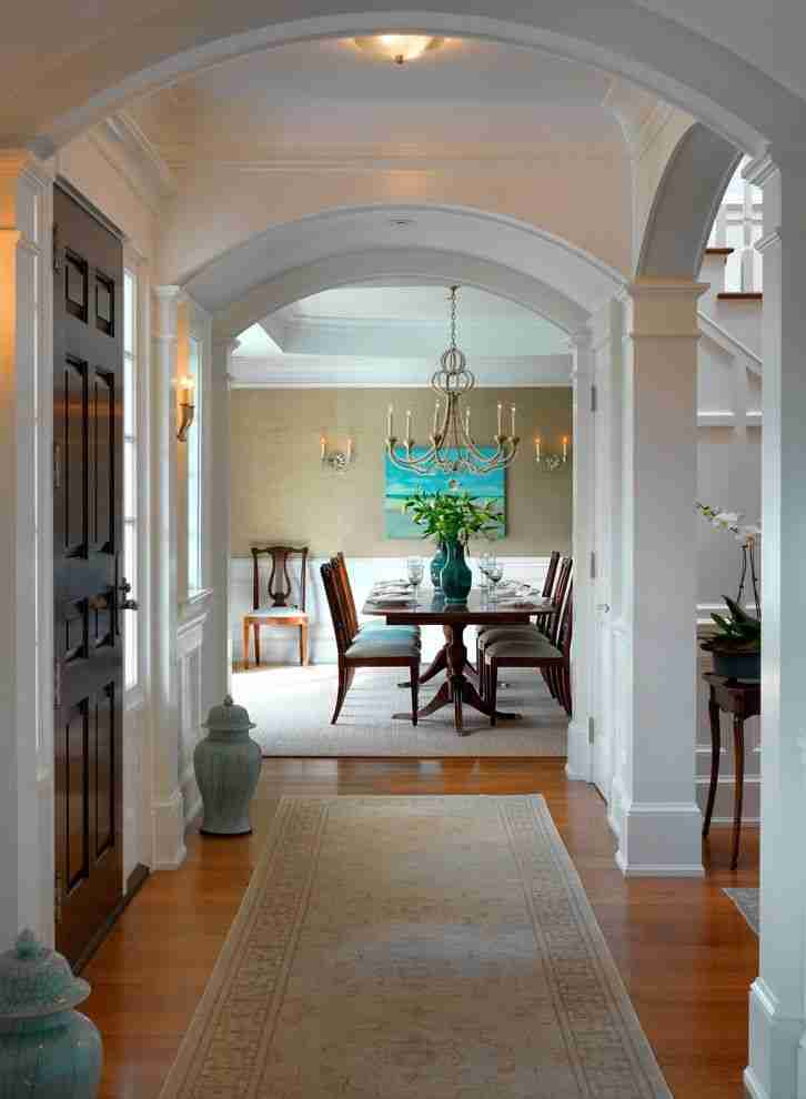 Pilasters in the Interior - Indispensable Element of Luxurious Design. Arched corridor in white paint