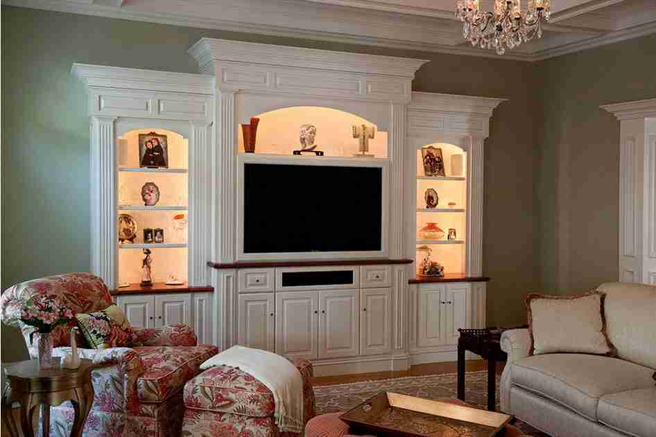 White furniture set in the classic living room interior