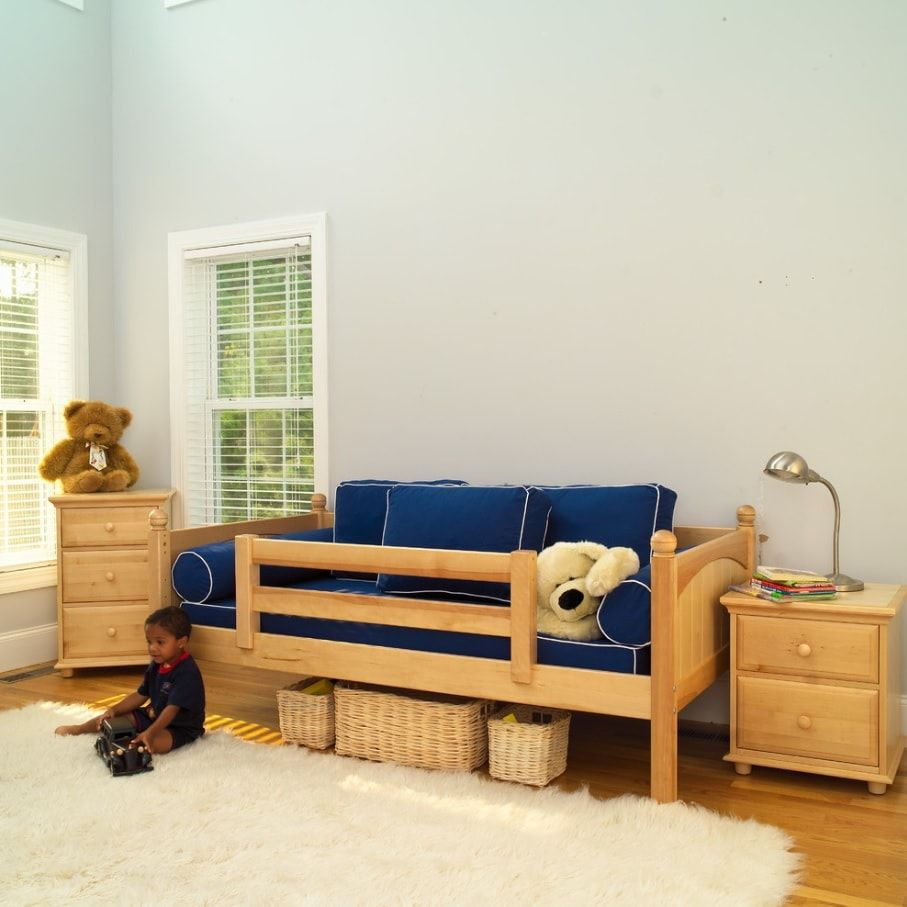 Decorating Ideas for Toddler Boys Bedrooms. Transformable bed for large simply decorated kids' room