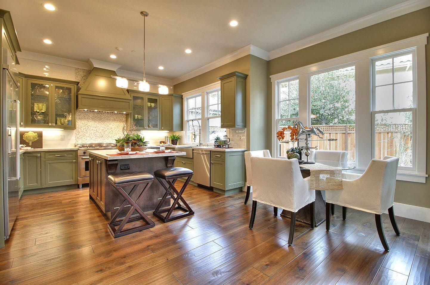 170 Square Feet Kitchen Design Ideas with Photos. Olive colored kitchen walls with white ceiling and built-in lighting