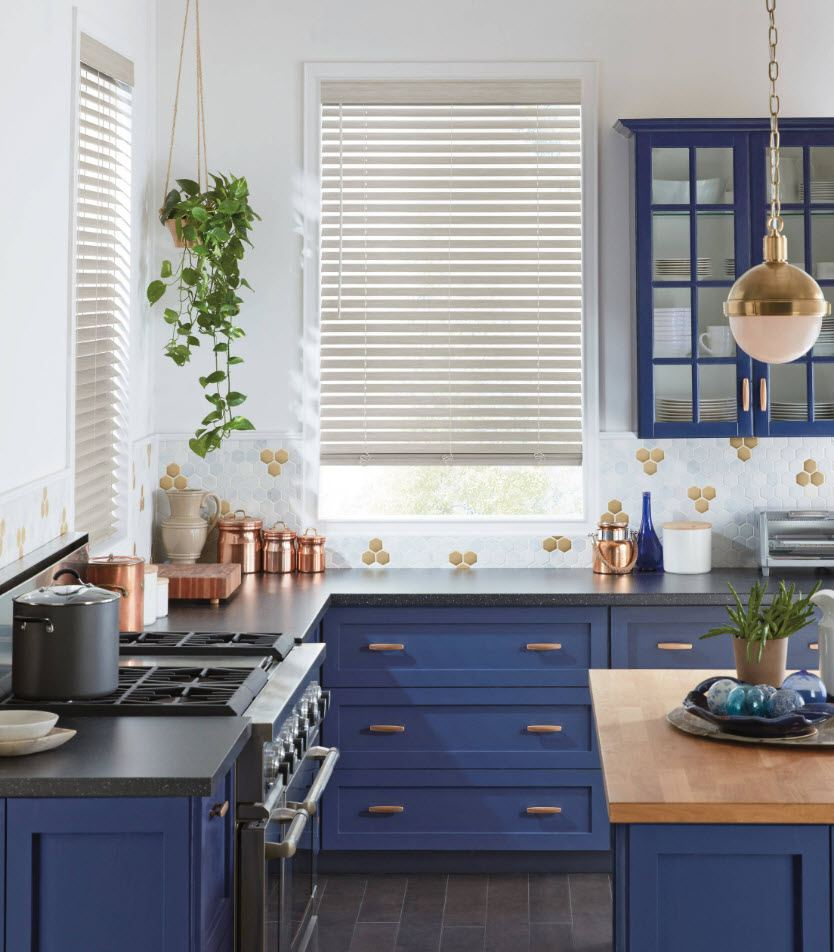 170 Square Feet Kitchen Design Ideas with Photos. A lot of natural space for Classic kitchen with blue facades