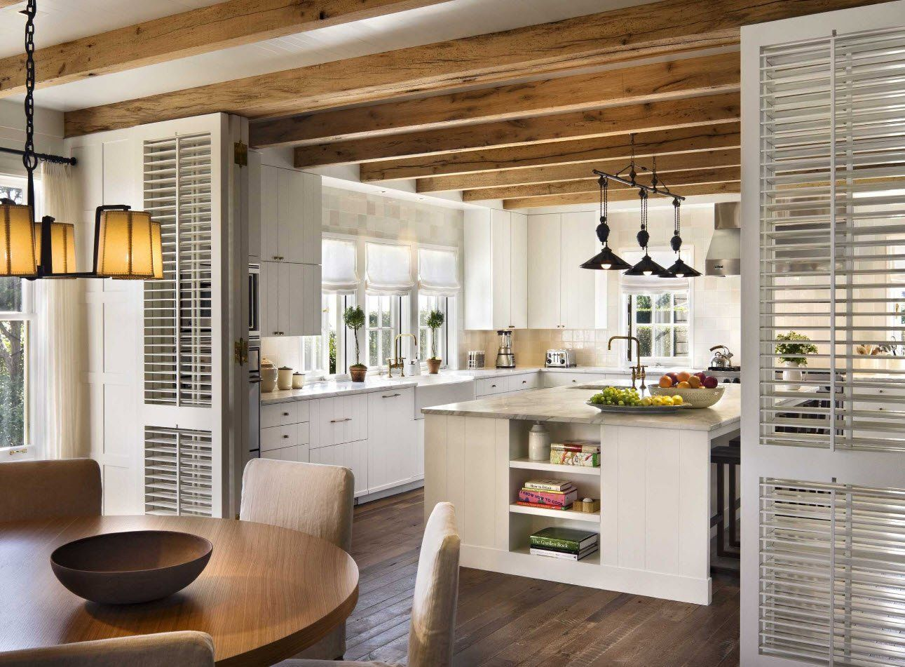 Open ceiling beams in the modern kitchen