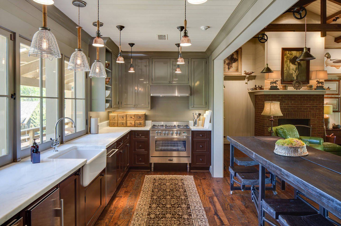 170 Square Feet Kitchen Design Ideas with Photos. Homey rug at the gallet kitchen in Classic style