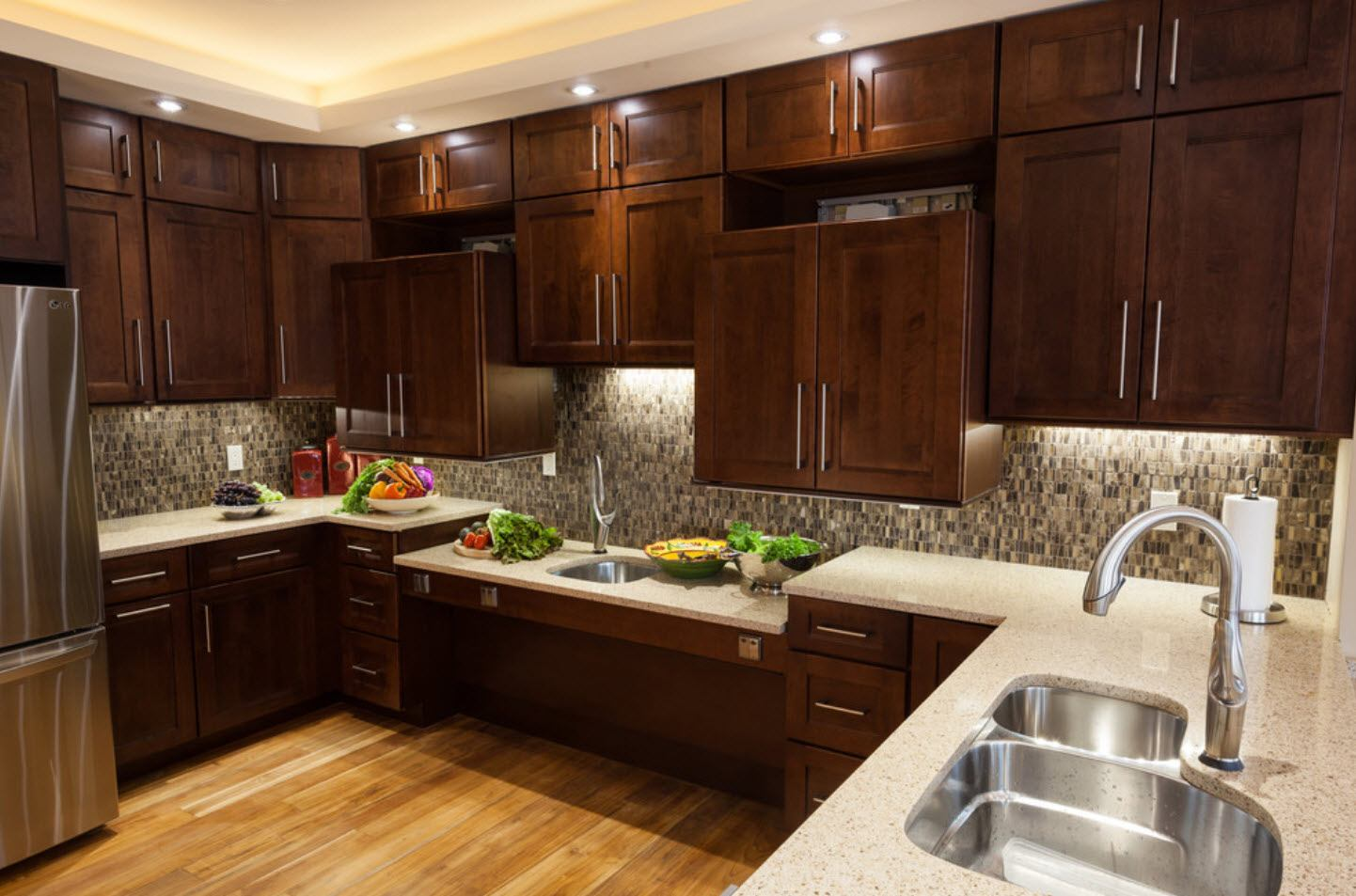 Dark noble wood for large kitchen