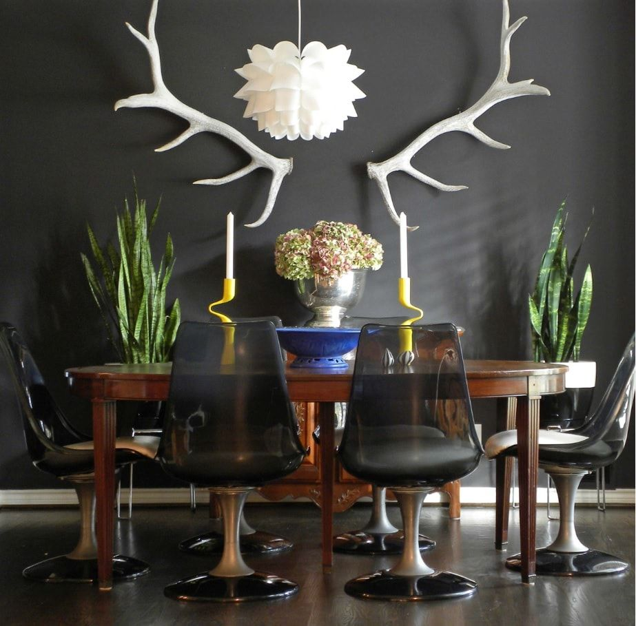 Black Dining Room Walls Effective Ideas for Authentic Interior. Amazing room design with antlers and vintage elements