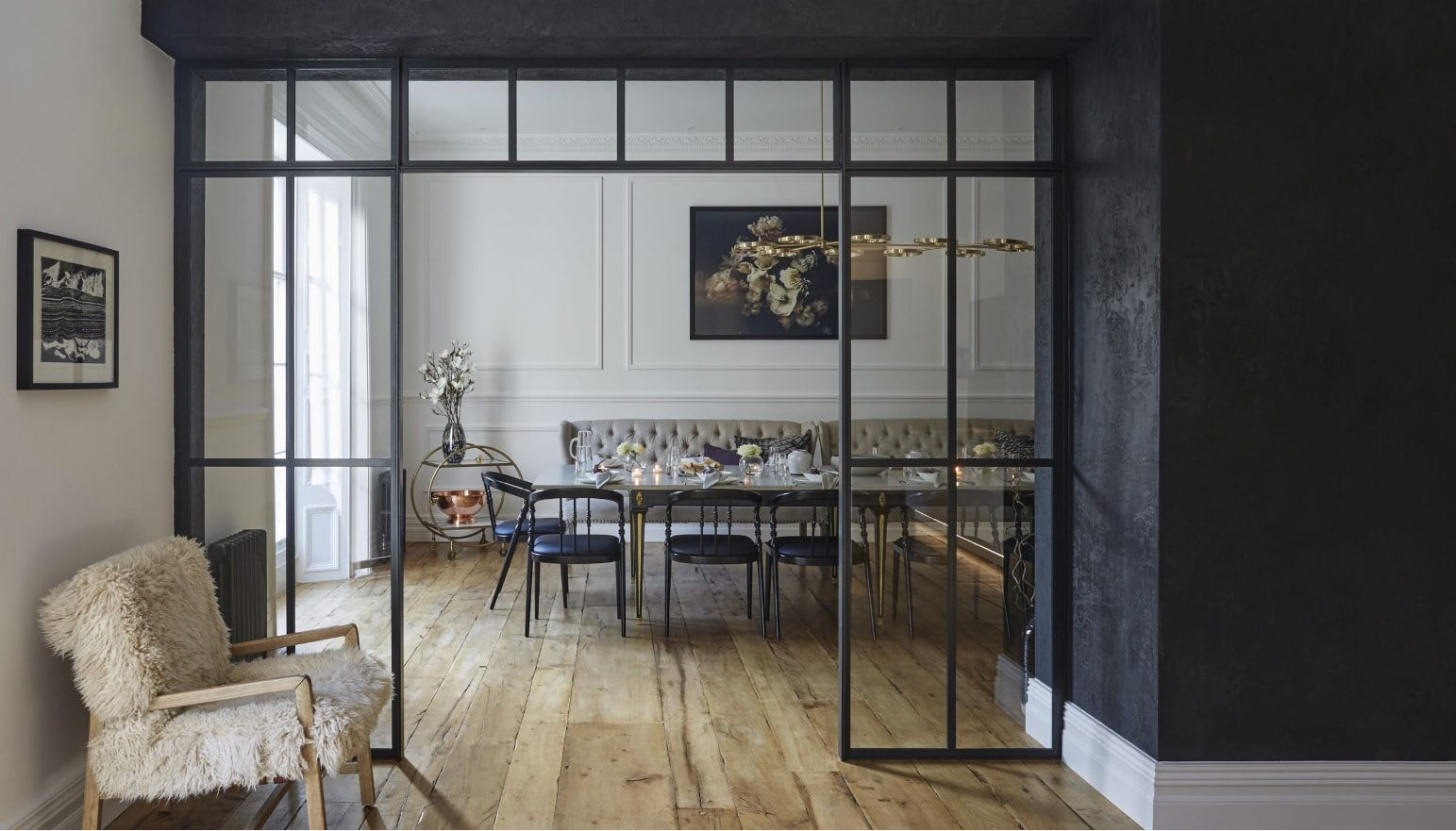 Black Dining Room Walls Effective Ideas for Authentic Interior. Textured black putty for the open spaced cottage's finish