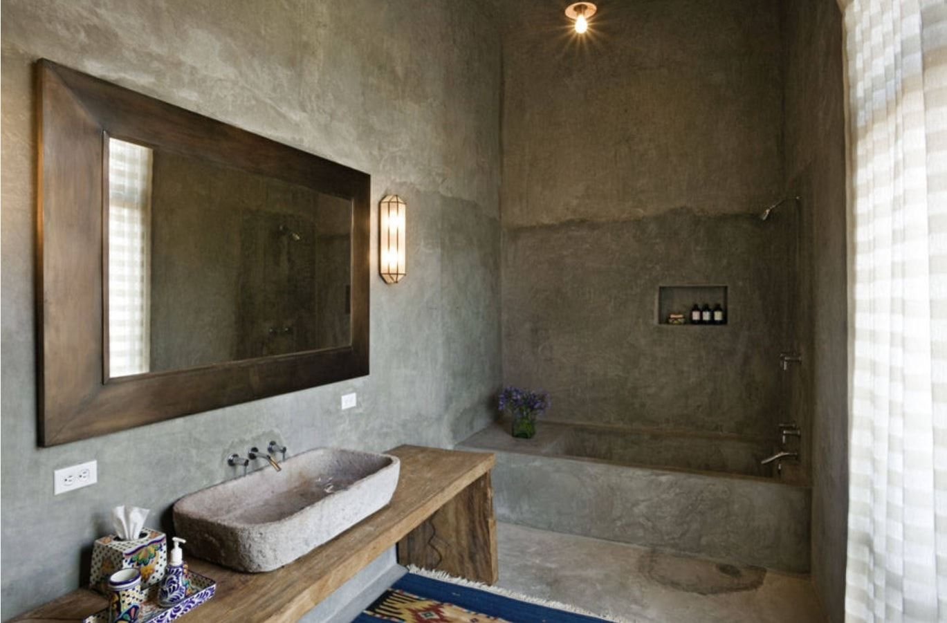 Faux Concrete Wall Paint: Modern and Original Finishing. Wet walls decoration effect for the bathroom