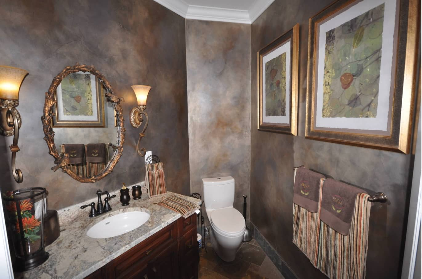 Faux Concrete Wall Paint: Modern and Original Finishing. Effective rusty metal imitation for the bathroom