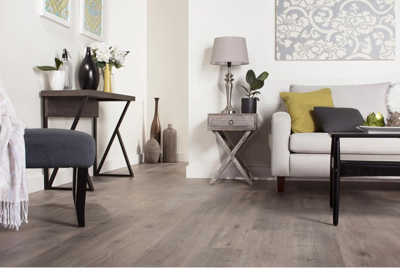 Gray Laminate: Photo Collection of Successfully Decorated Interiors. Calm casual interior with pastel color palette wooden floor