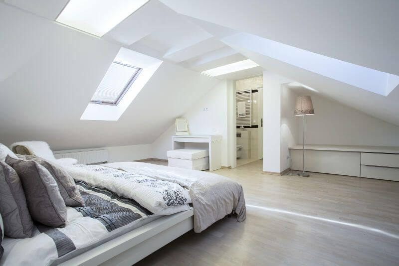 Attic Room Original Finishing and Decoration Ideas with Photos. White colored bedroom with different located skylights