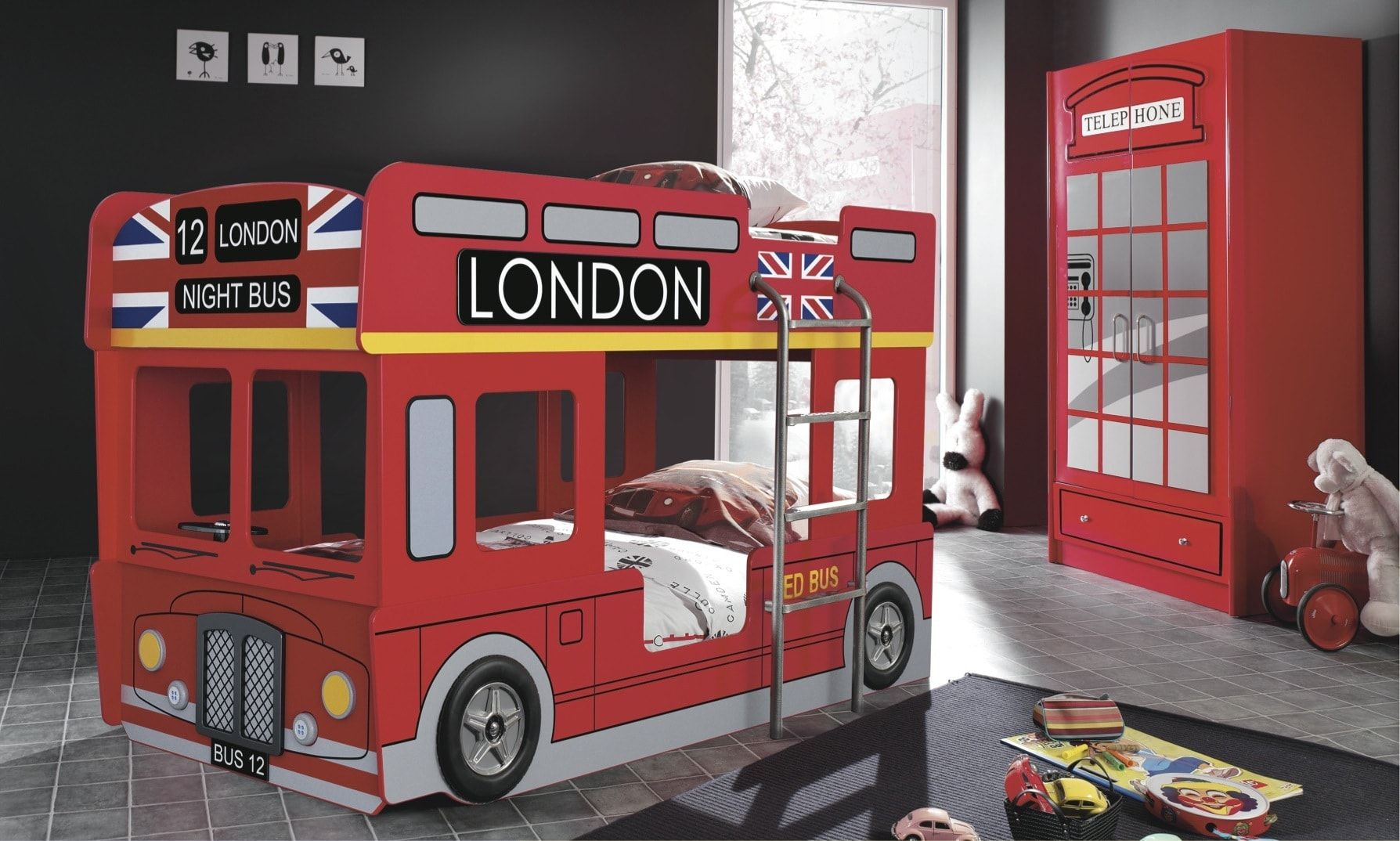 London city bus - bunk bed within the children's room