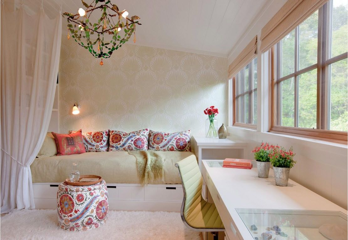 Small Room Interior Design Tips and Ideas. Nice modern interior decoration of light-lit room with large sofa
