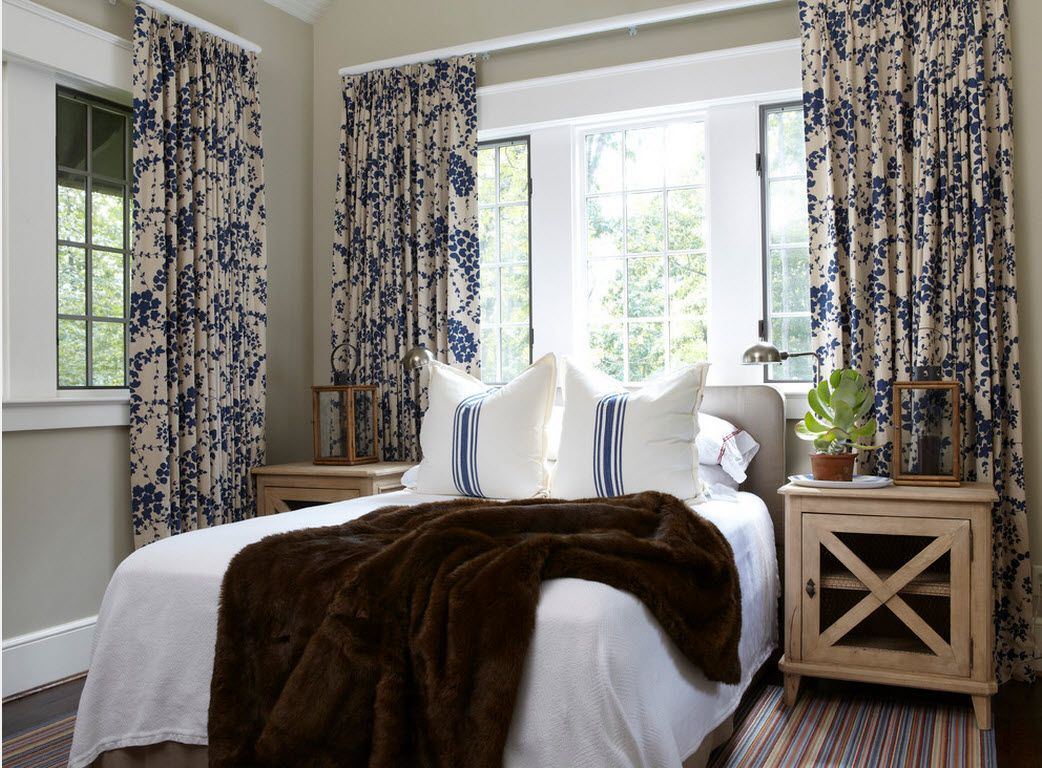 Small Room Interior Design Tips and Ideas. Colorful curtains in the small room with platform bed