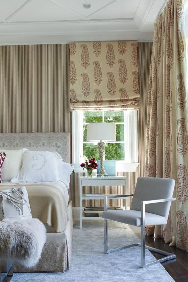 Bedroom Curtains: Full Guide on How to Decorate the Windows. Grayish color range for the Classic interior