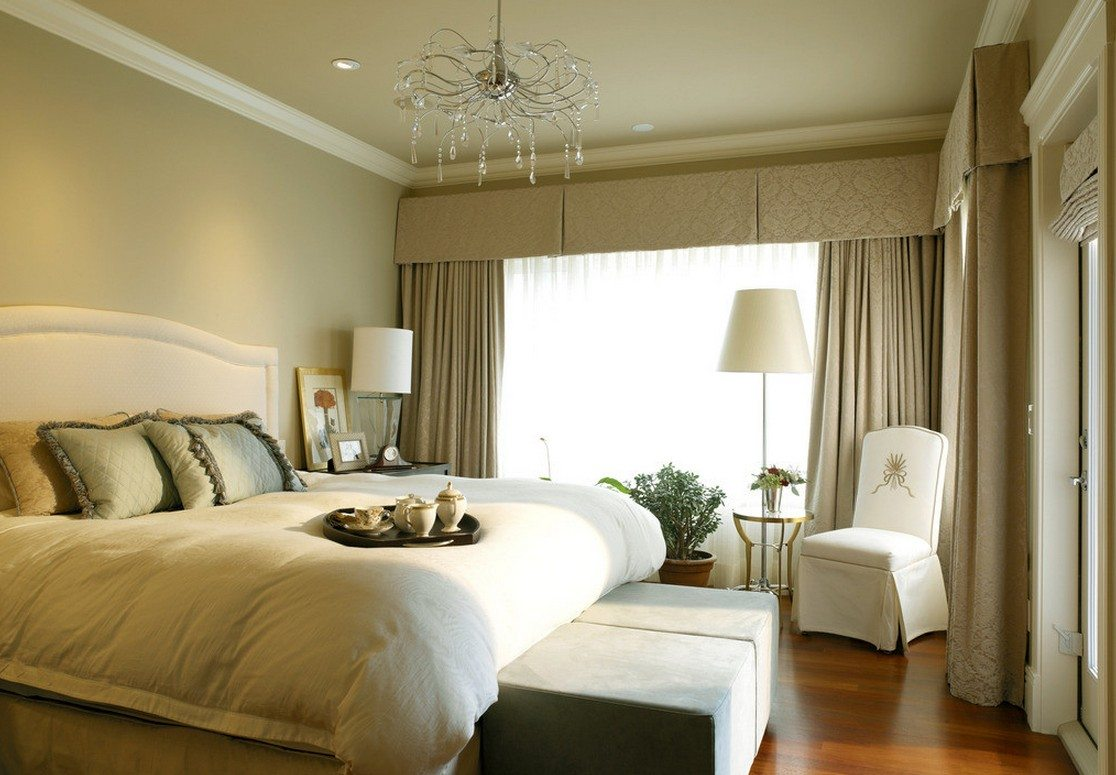 Bedroom Curtains: Full Guide on How to Decorate the Windows. Pastel colored room with heavy curtains