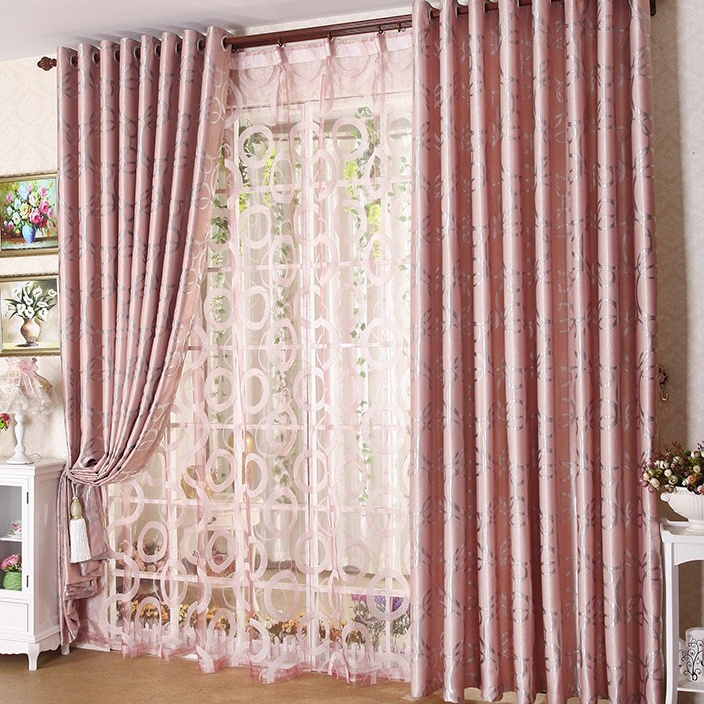 Bedroom Curtains: Full Guide on How to Decorate the Windows. Large window with chic pinkish curtain
