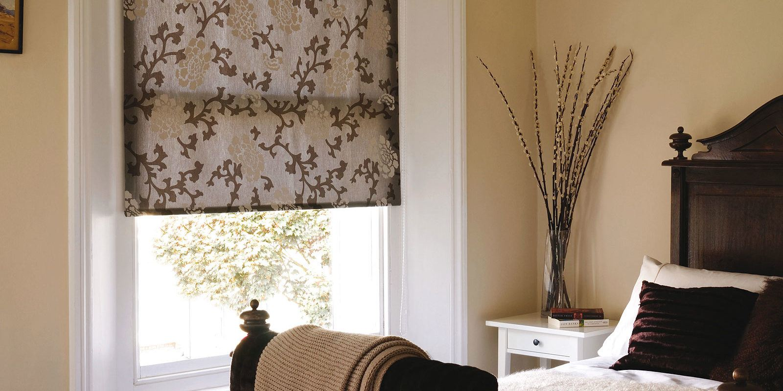 Roller blinds with floral pattern for small bedroom