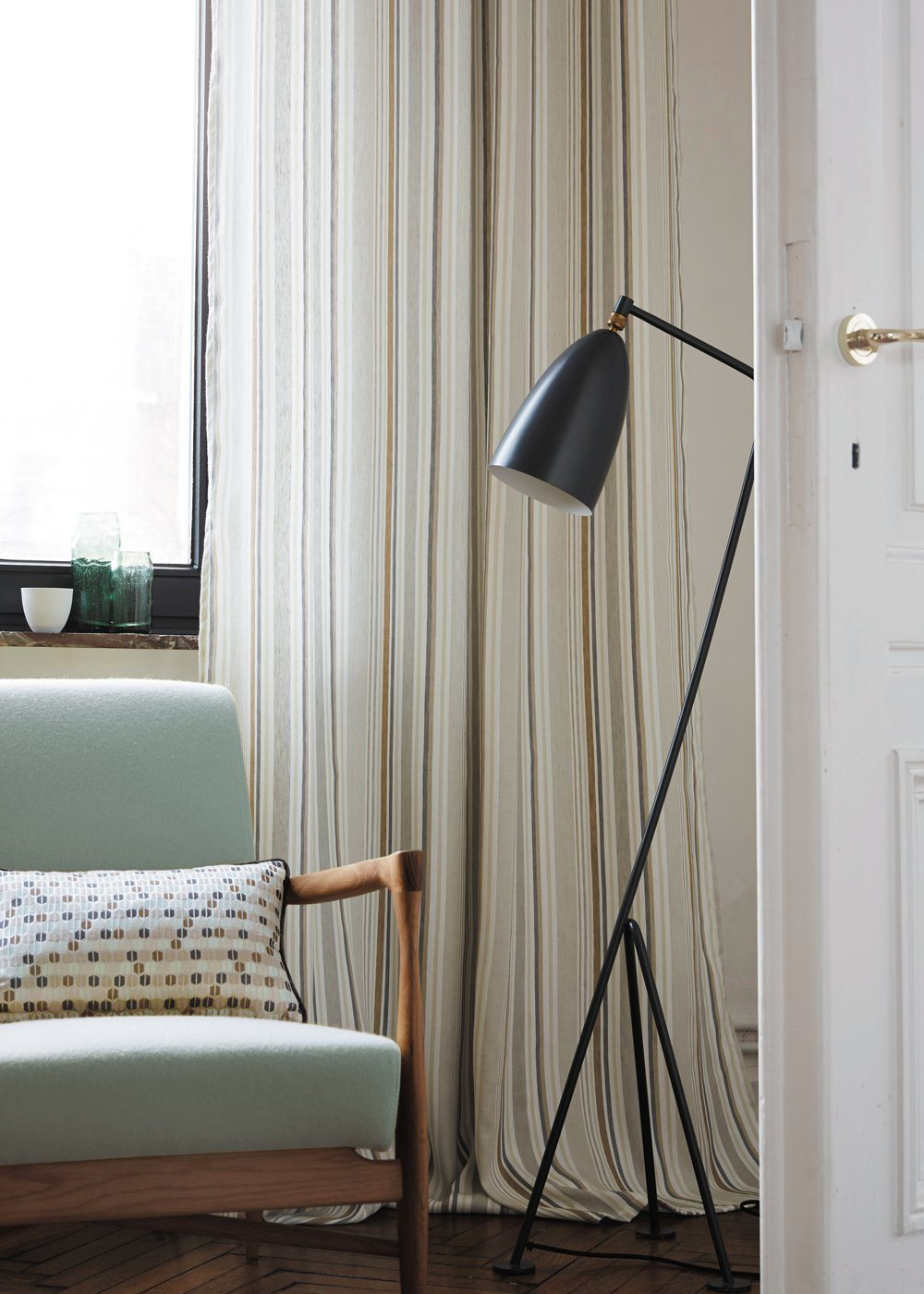 Silk curtains for modern styled apartment