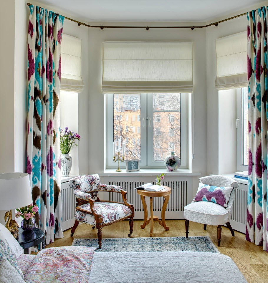 Colorful curtains to revive the atmosphere and bay window