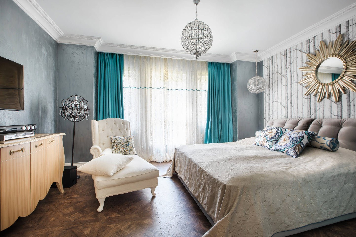 Bedroom Curtains: Full Guide on How to Decorate the Windows. Turquoise bedroom curtains and dark floor covering in modern bedroom
