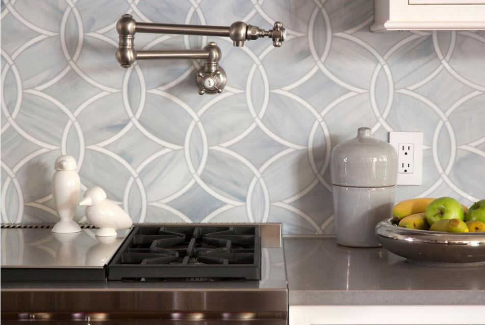 Backsplash Interior Design Ideas: Complement your Kitchen. Figured tiling at the Classic kitchen