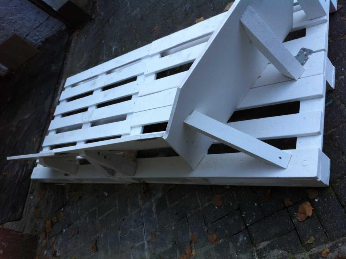 Corner sofa DIY assembling: step 5