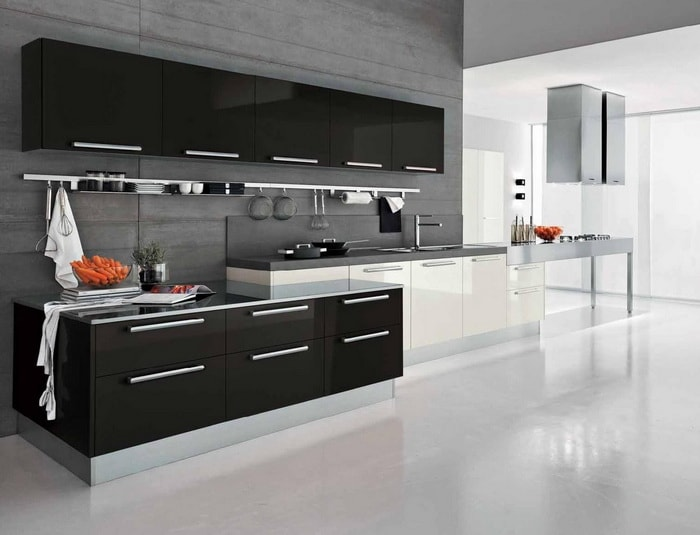 Top 10 most Popular Mistakes when Designing a Kitchen. Large space and contrasting furniture facades