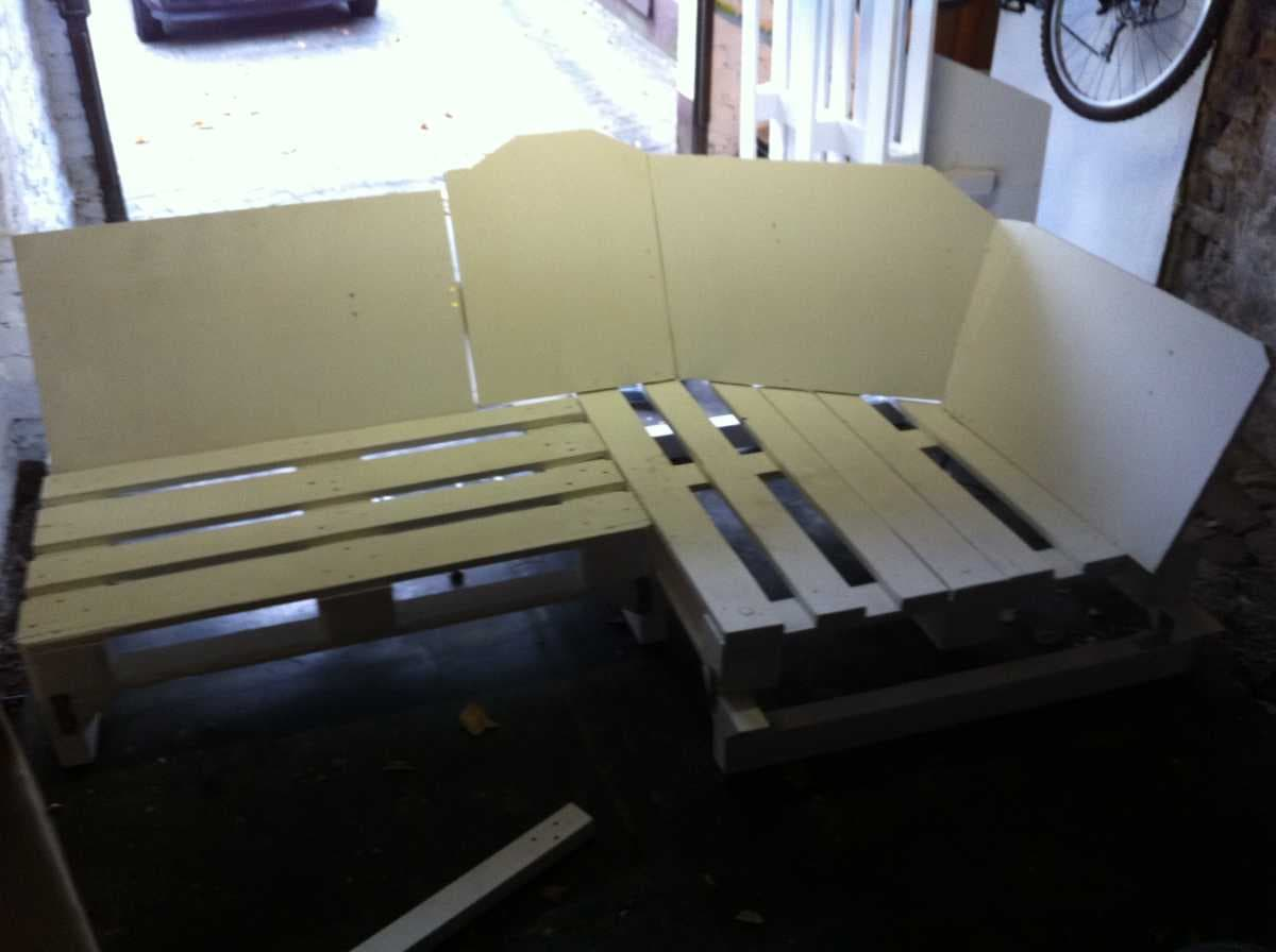 Corner sofa DIY assembling: step 10