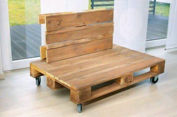 How to build sofa from pallets: small sofa, step 2 - the backrest