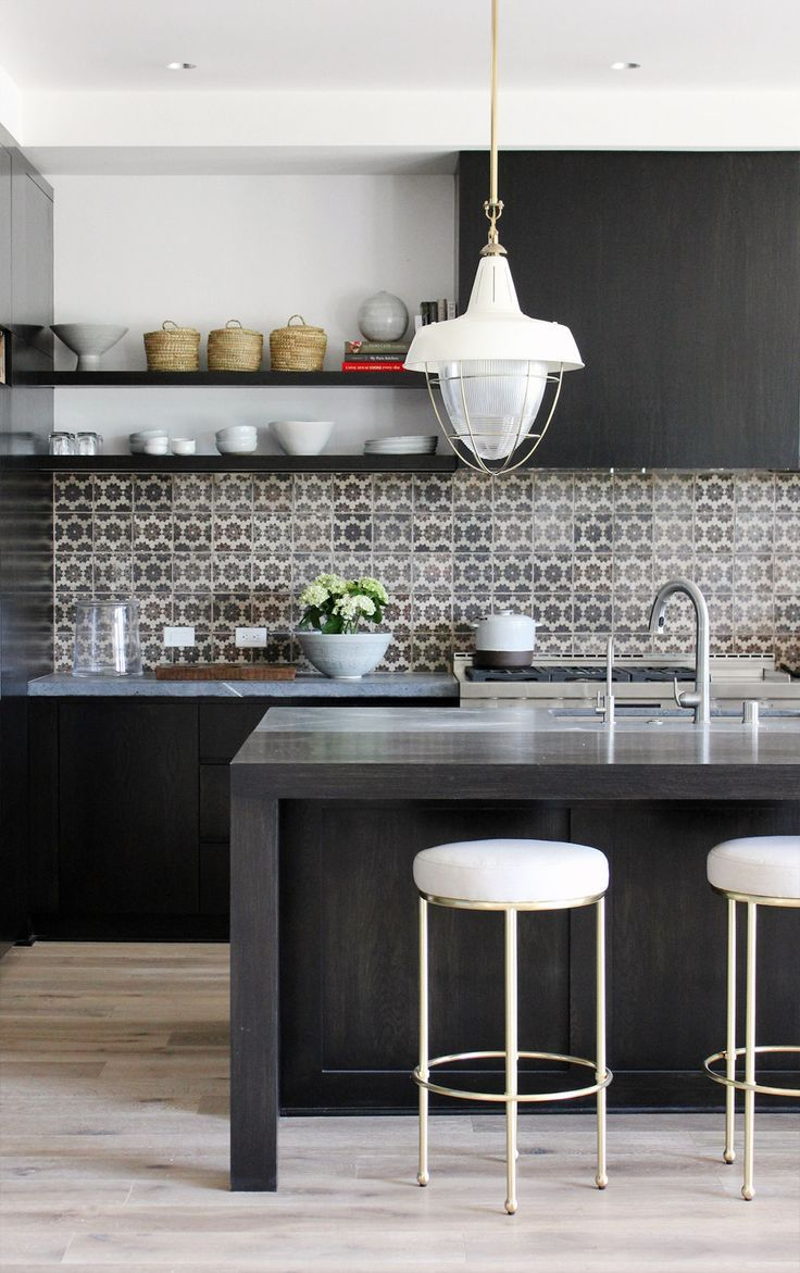 Top 10 most Popular Mistakes when Designing a Kitchen. Nice metal splashback in the contemporary space