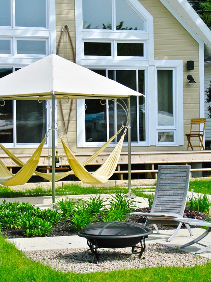 Backyard rest zone with canopy and hammock