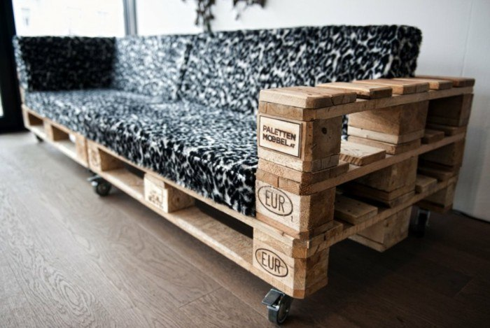 Dotted upholstery for the pallet-made sofa