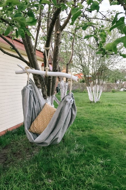 DIY Hammock: Instruction on How to Make your Home Comfortable. Making simple hammock on a snag - enjoyning the result