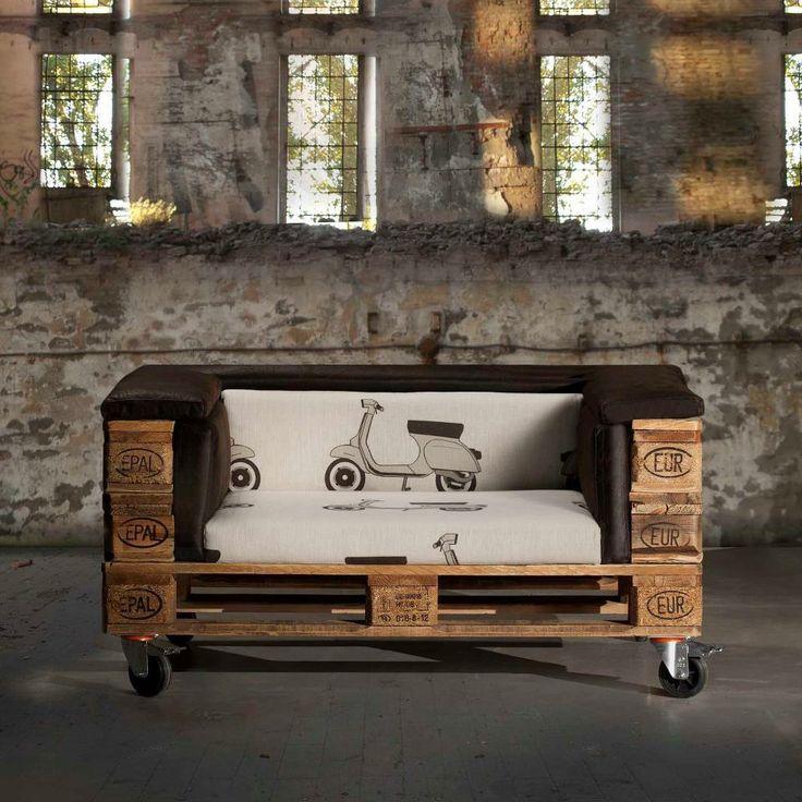 DIY Sofa made of Pallets: Trendy & Functinoal Interior Item by Your Hands. Dark interior design in Loft style