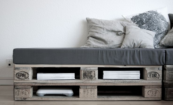 DIY Sofa made of Pallets: Trendy & Functinoal Interior Item by Your Hands. Laconic Scandi design of the sofa with the storage place