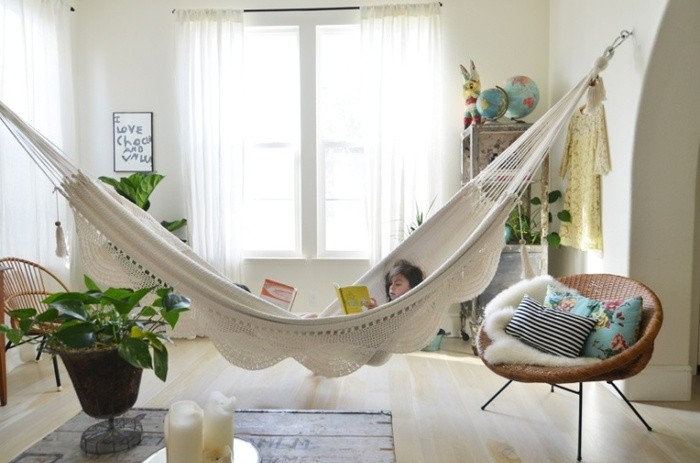 Large hammock throughout the whole room