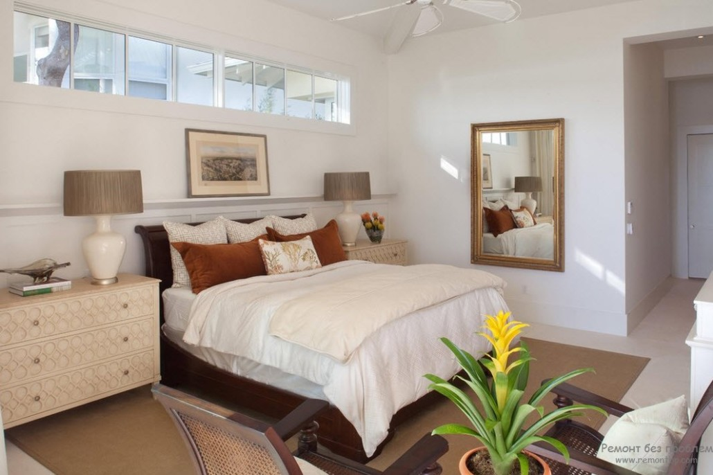Window Design in the Bedroom for Ultimate Coziness and Comfort. Large classic styled room in white