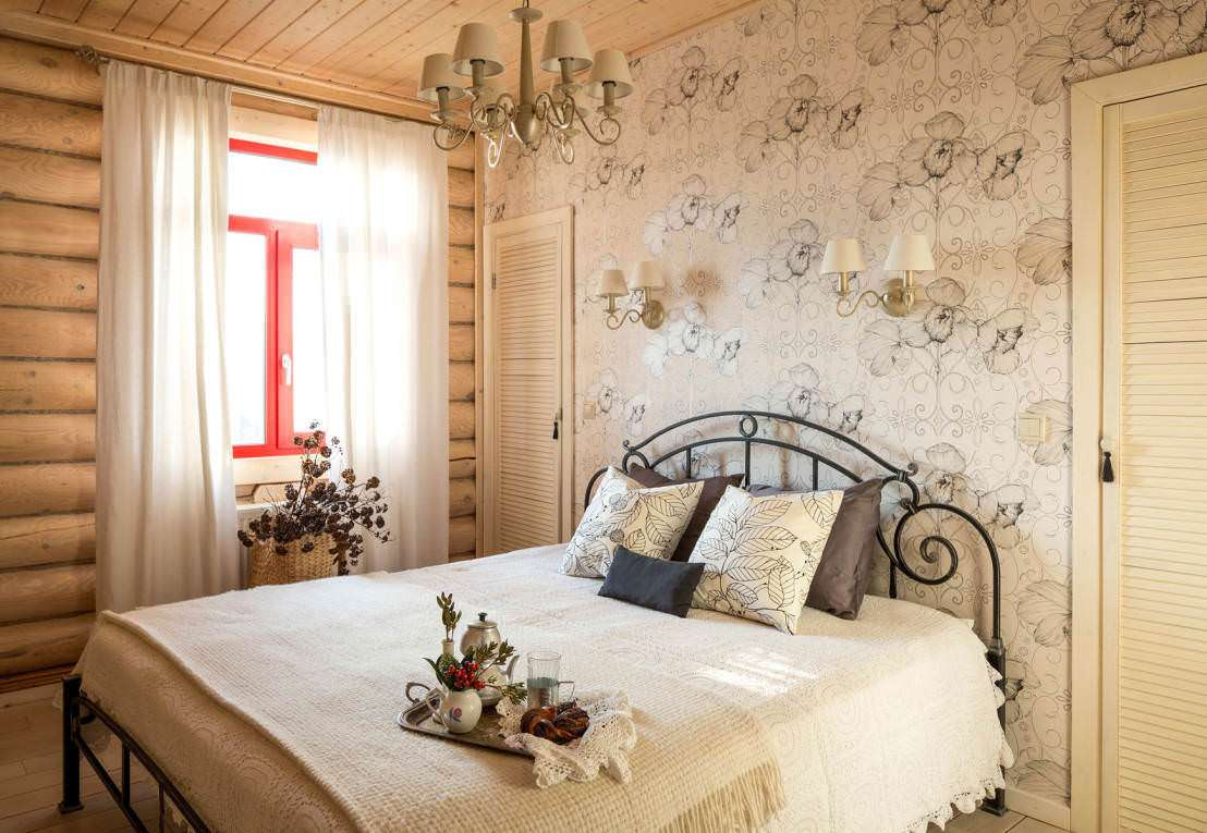 Wallpaper in the Bedroom: Modern Trends with Photos. Simple furnished bedroom in light colors