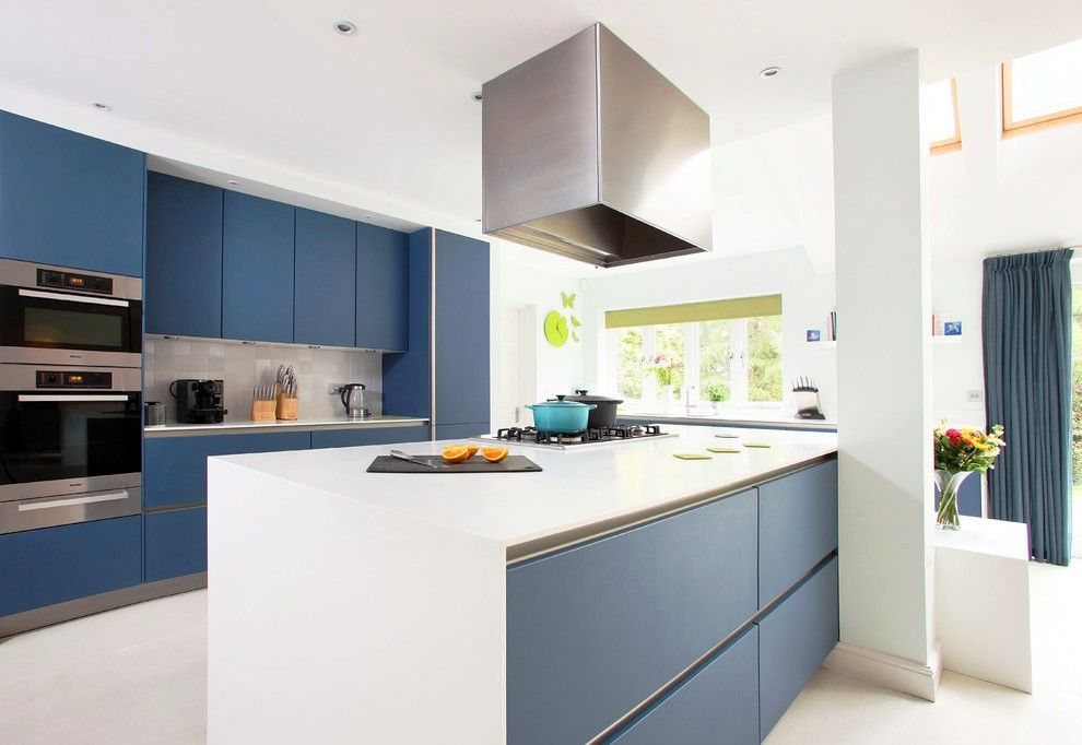 Fitted Kitchens: Impeccable Style and Functionality for any Space. Modern matte facaded and monolith looking kitchen set