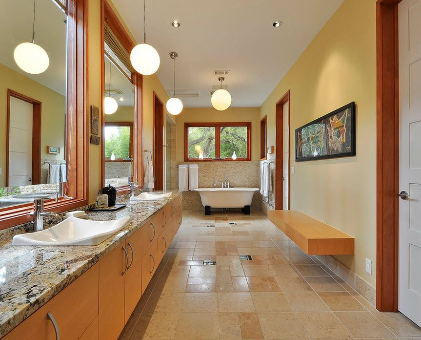 Master bathroom design in pastel colors with original cork flooring