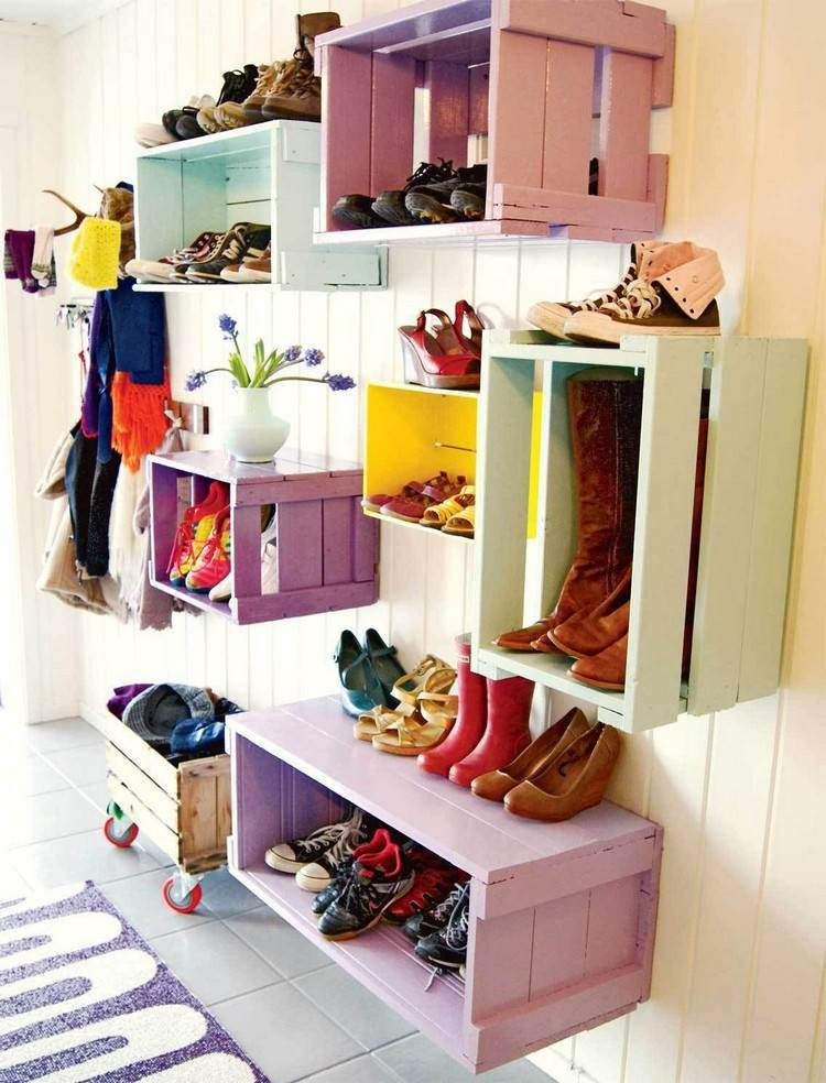 Custom Shoe Rack DIY Construction at Home. Pallets and boxes for shoe storage
