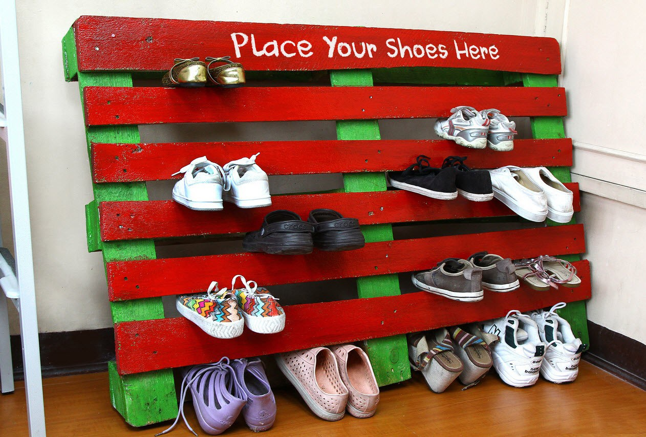 Colorful palette shoe rack