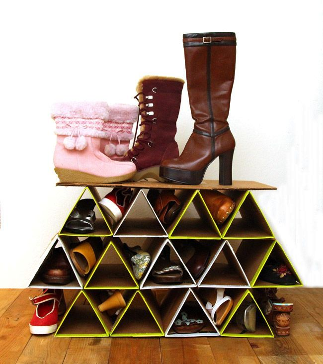 Custom shoe rack DIY of cardboard: the final result