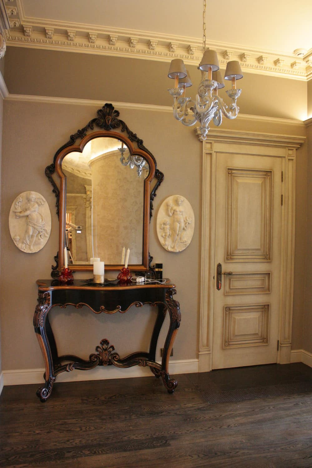 1920s Interior Design in Action: Real Apartment in Deep Retro. Large carved console mirror in the hallway