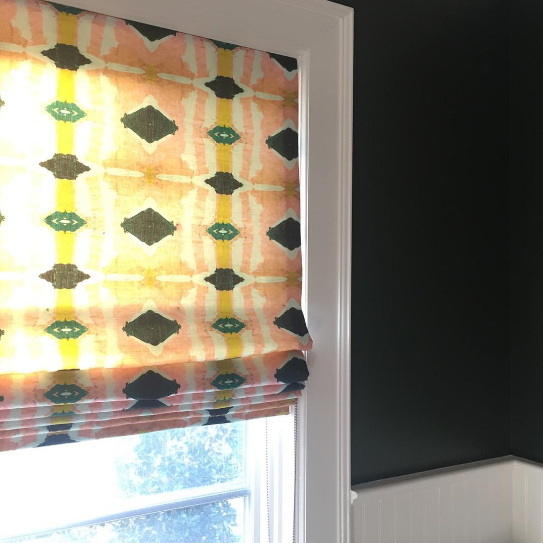 DIY Custom Roman Shades with Practical Master Classes and Photos. Green polka dots on the curtain