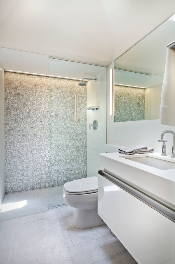 5 Key Tips for Remodeling a Small Bathroom. Large mirror and accent wall