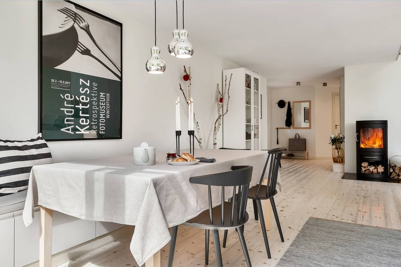 Nordic Interior Design Examples in Real Homes Photos. Scandinavian minimalistic approach in freshly looking dining room
